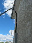 2012-06-21-02-Poplar-Hill-fibre-cable-attached-to-Northern-store