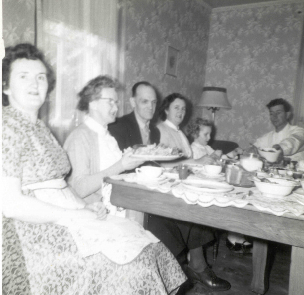 21-mom-grandma-jim-edie-laurie-dad-dinner-58